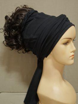 Włosy kręcone ciemny brąz na opasce w kolorze czarnym
