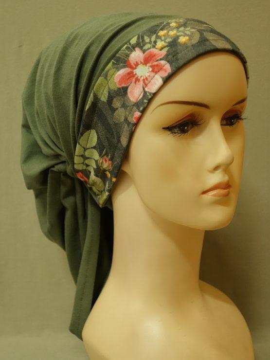 Zielona chusta z rantem w kwiaty