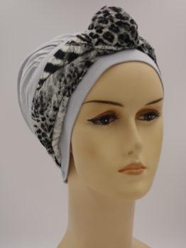 Jasny popiel modna czapka z szaro-czarną koronkową dekoracją