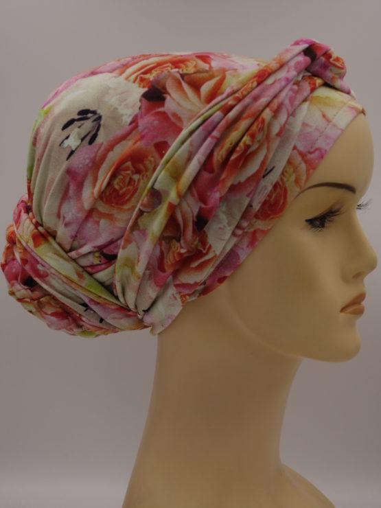 Kolorowy turban w róże z dekoracją