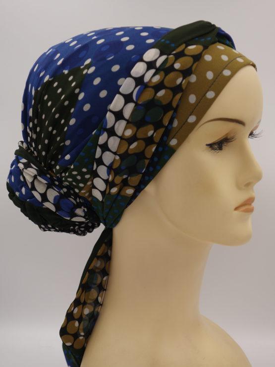 Kolorowy turban w grochy, z dekoracją