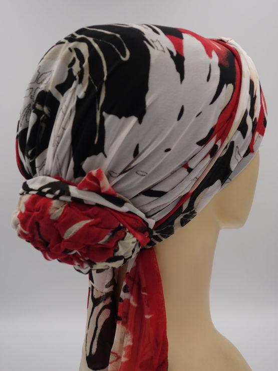 Kolorowy turban w kwiaty, z dekoracją