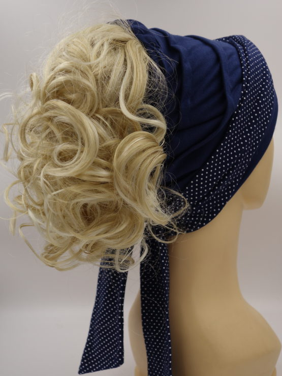 Włosy na opasce - jasny blond, krótkie, kręcone