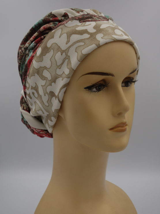 Kolorowy turban w kwiaty, drapowany