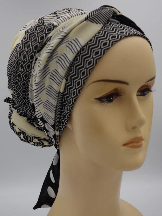 Waniliowy turban w biało-czarne wzory z dekoracją