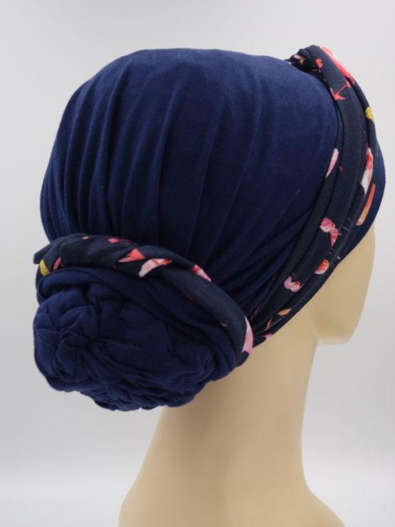 Granatowy turban z dekoracją