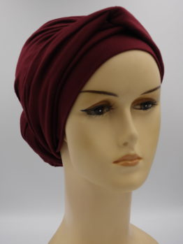 Bordowy turban z dekoracją
