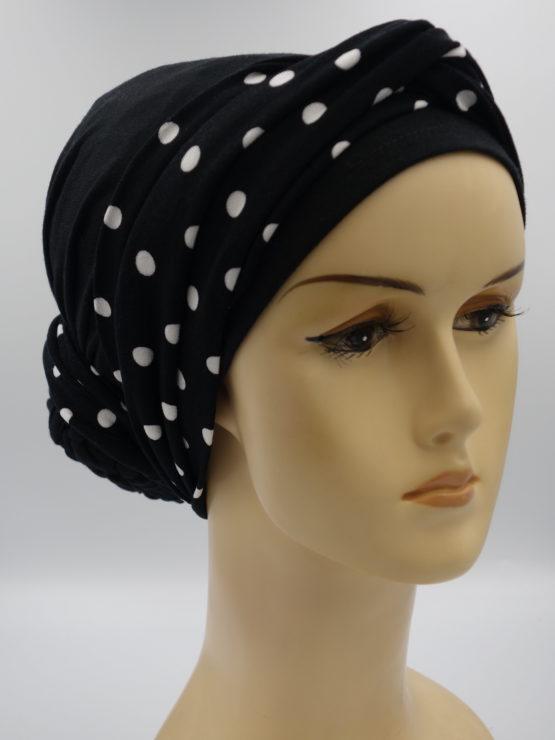 Czarny turban z dekoracją w grochy