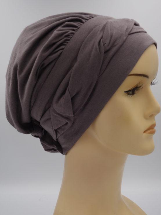 Wrzosowa modna czapka z plecionką